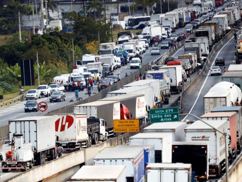O Brasil, sua ganância, a greve...