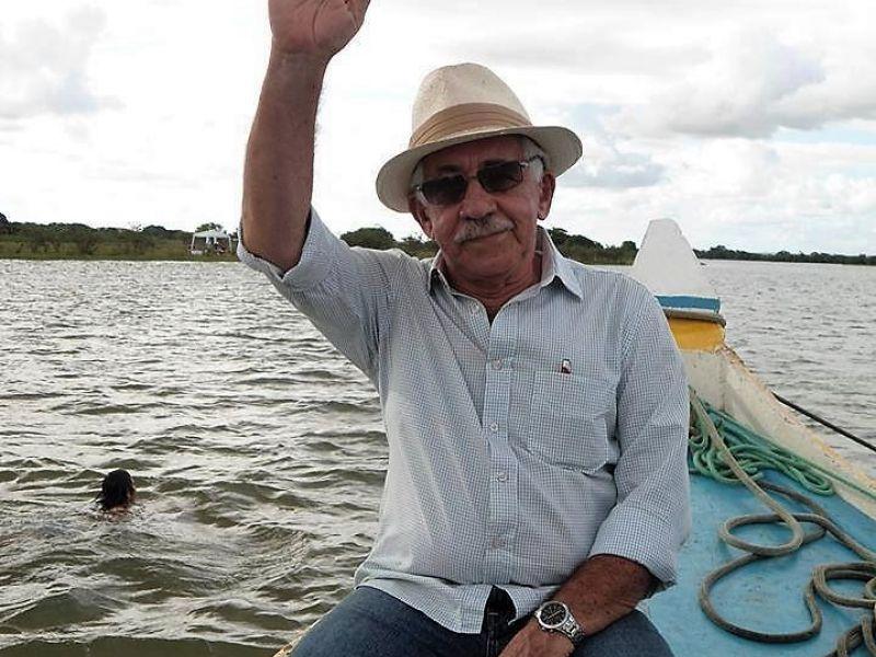 O vôo final do bibliófilo Francisco Alberto Sales para a posteridade