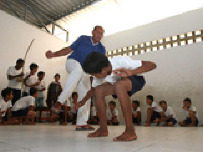 Encontro de capoeira incentiva prática feminina em Alagoas