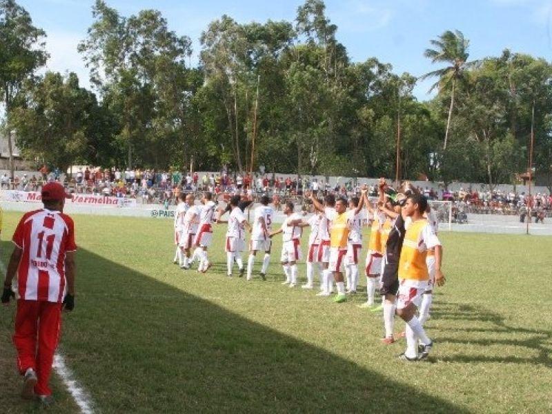 Áudio: Técnico e jogadores do Penedense apresentam-se terça, 02