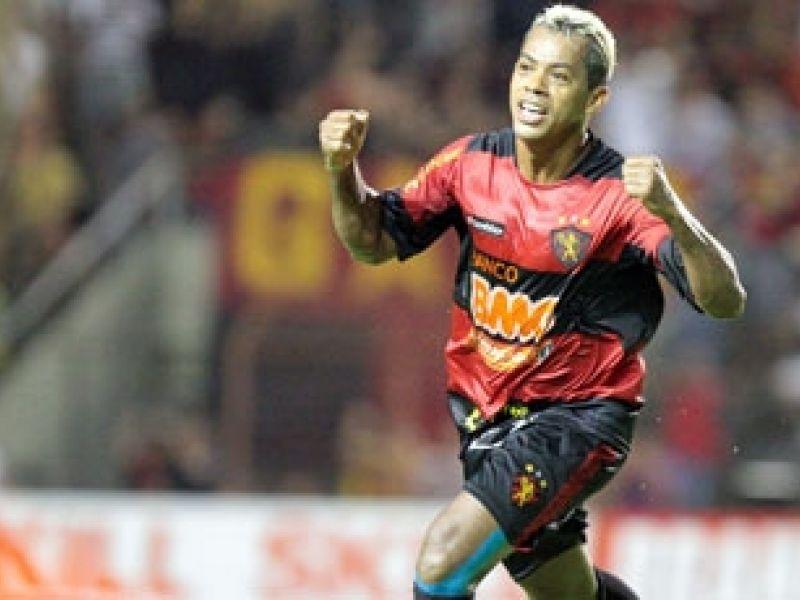 Sport passa pelo Barueri e se torna líder da Segundona