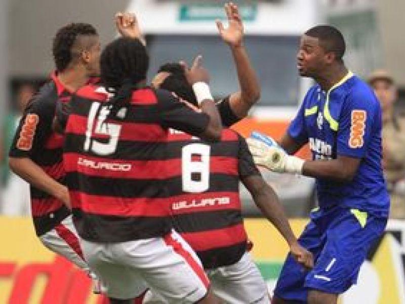 Nos pênaltis e graças à Felipe, Flamengo está na final da Taça GB