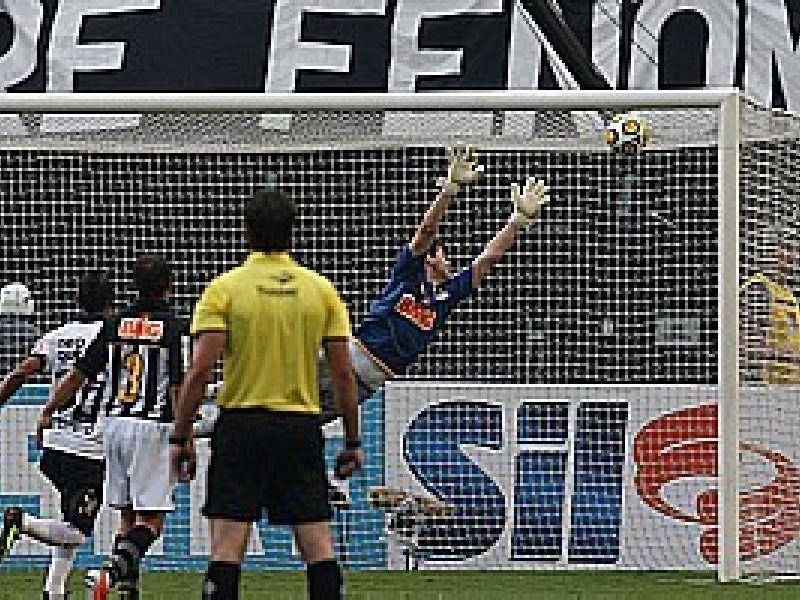Liédson marca um belo gol e ajuda o Corinthians a vencer o Santos