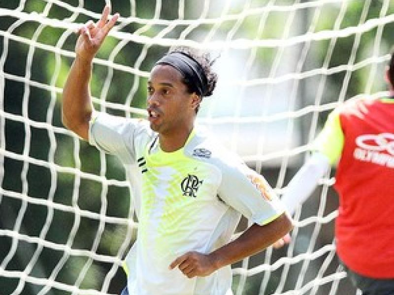 Flamengo: Ronaldinho encara o seu primeiro clássico diante do Botafogo