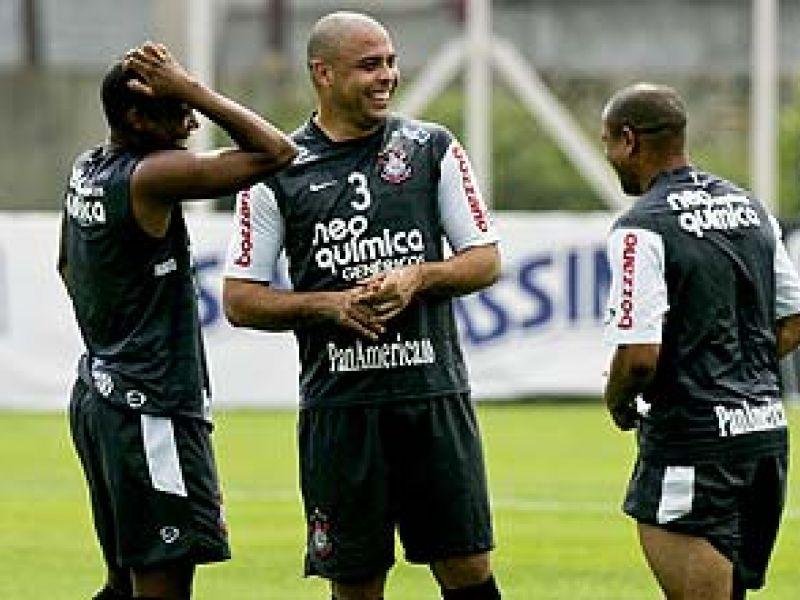 Conformado e impotente, Corinthians torce pelo milagre para ser campeão