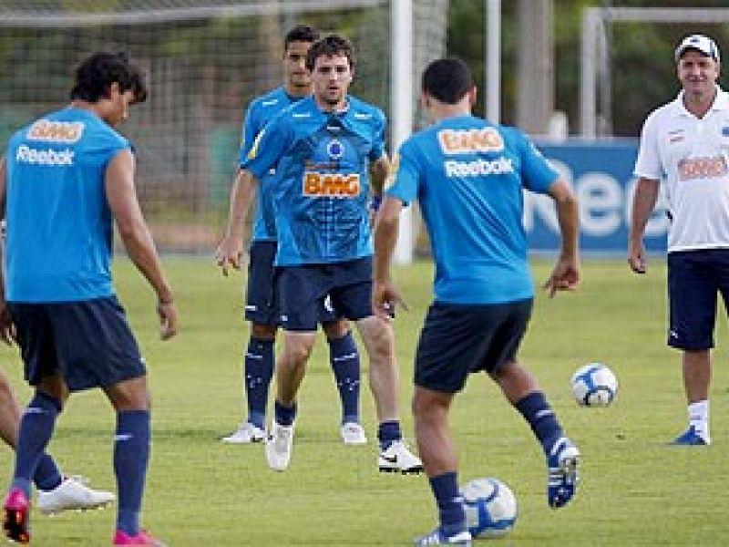 Cruzeiro acredita na possibilidade de conquistar o título, apesar das dificuldades