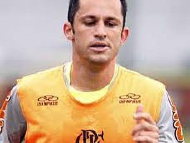 Luxemburgo expulsa jogador em treino do Flamengo