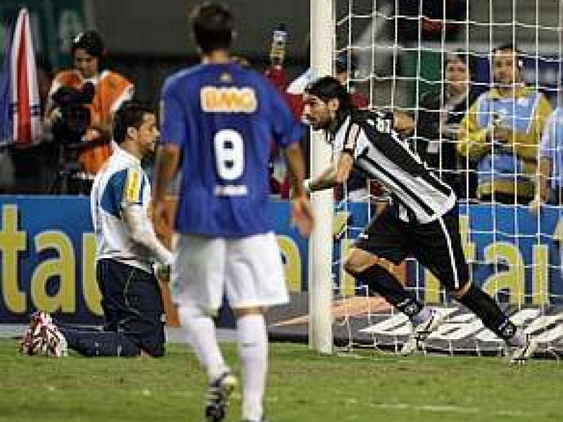 Botafogo e Cruzeiro ficam no empate e se distanciam dos líderes