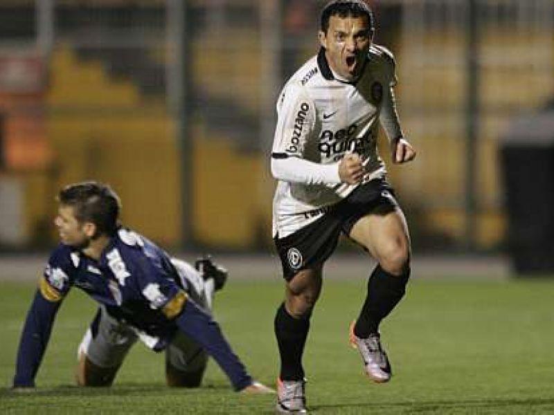 Deu a lógica: Corinthians venceu fácil e assumiu a liderança