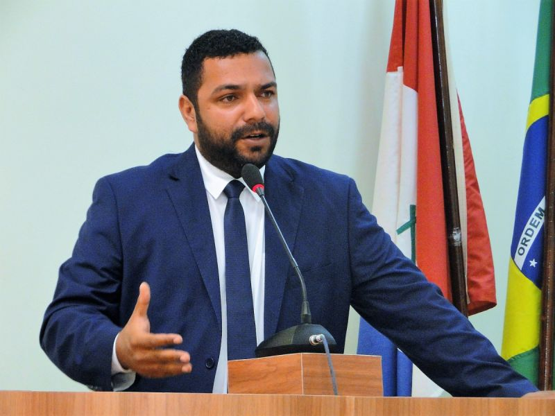 João Lucas oficializa que não faz mais parte da bancada de oposição ao prefeito Marcius Beltrão