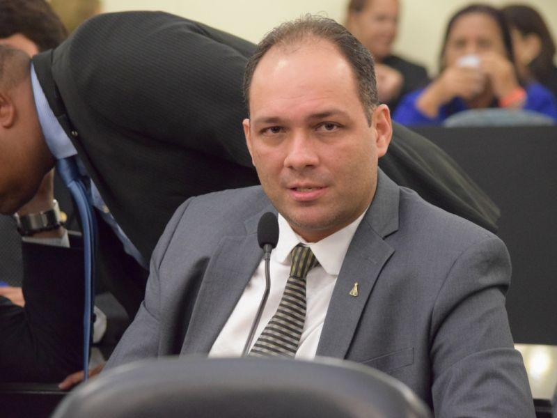 Deputado pede a Casal para regularizar abastecimento de água em povoados de Piaçabuçu
