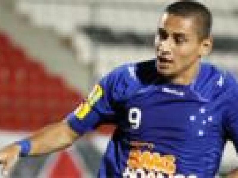 No clássico mineiro, Cruzeiro vence e afunda o Atlético no Z4
