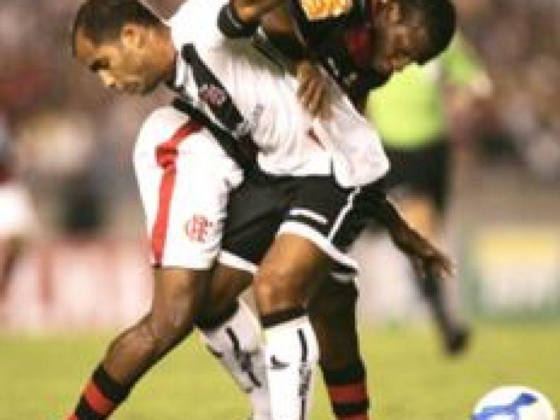 Flamengo e Vasco fazem jogo monótono e não saem do zero no Maracanã