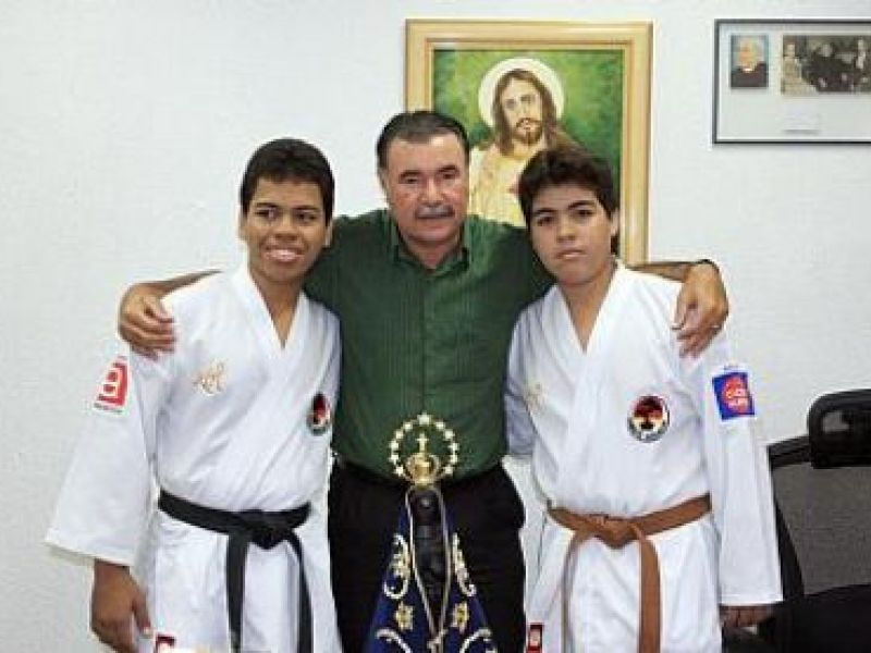 Karatê leva irmãos alagoanos para evento internacional na Alemanha