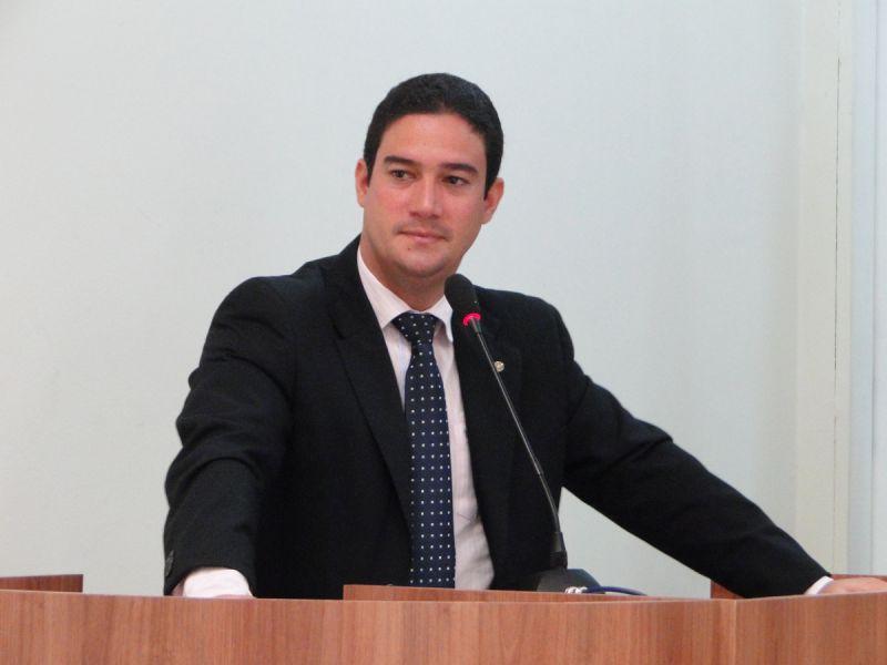 Marcelo Pereira requer instalação de quebra-molas no bairro Santa Cecília