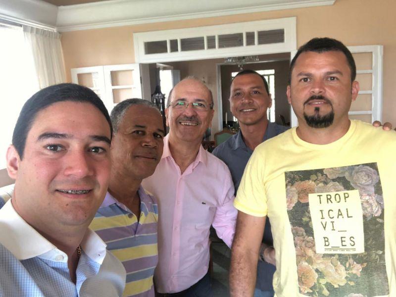 Vereadores ratificam apoio a pré-candidatura de Ronaldo Lopes à prefeitura de Penedo
