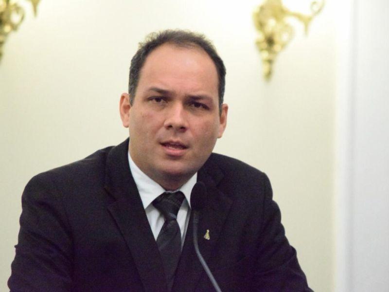 Projeto institui o programa de castração móvel de cães e gatos no Estado de Alagoas