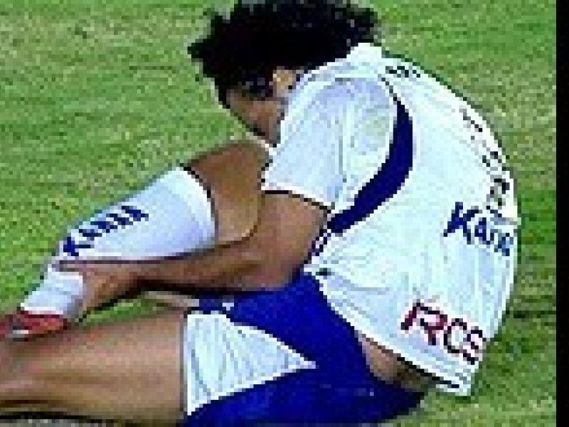 Se não bastasse a derrota, jogador do Santo André tem perna fraturada