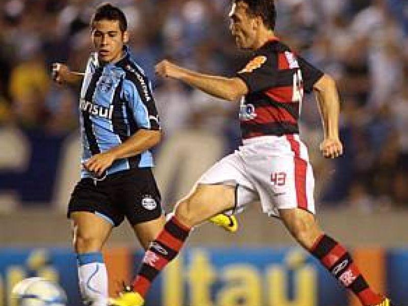 Flamengo decepciona e fica no empate