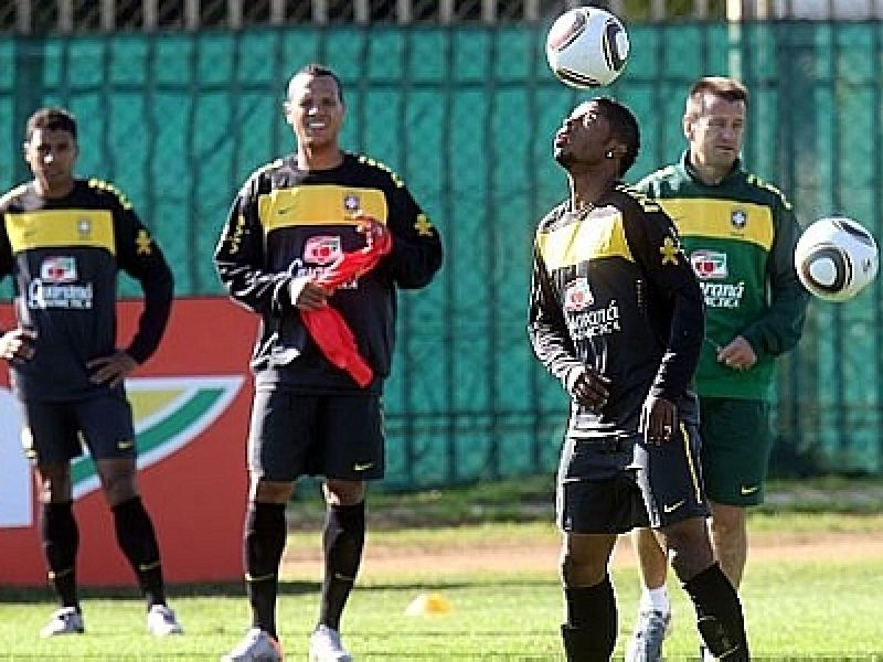 Seleção, com grupo completo, iniciou os trabalhos em Joanesburgo