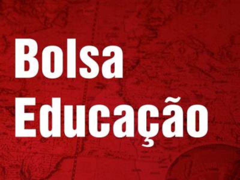 Projeto cria Bolsa Educação para jovens desempregados de 16 a 20 anos