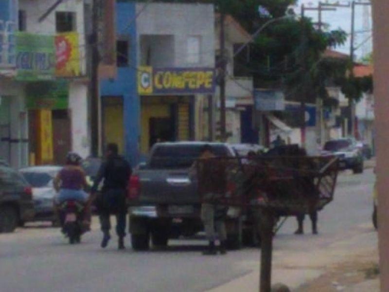 Homem é vítima de atentado em Penedo; um dos acusados é sargento da Polícia Militar