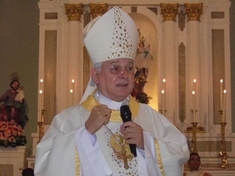 Bispo Dom Valério Breda é hospitalizado após sofrer grave crise hipertensiva em Penedo