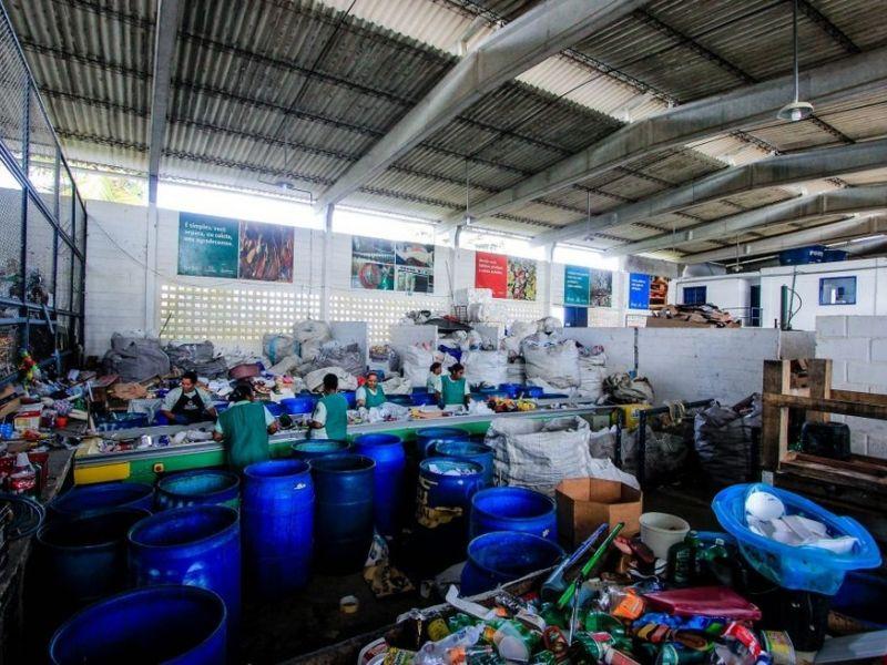 Cooperativas que fazem coleta seletiva em Maceió devem retomar atividades nesta semana