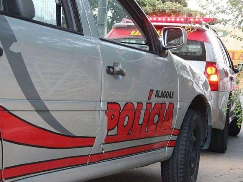 Após confusão, quatro pessoas são presas flagradas com armas em Penedo