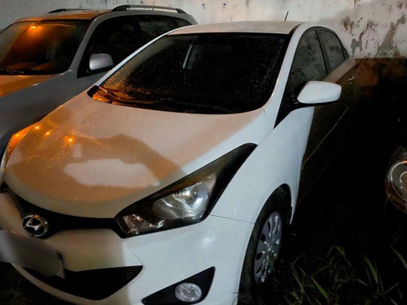 PC prende suspeito e recupera carro roubado no Ponto Novo
