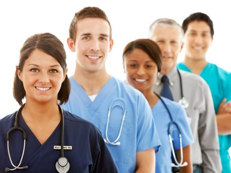 Contratação de Enfermeiros e Técnicos de Enfermagem para início imediato