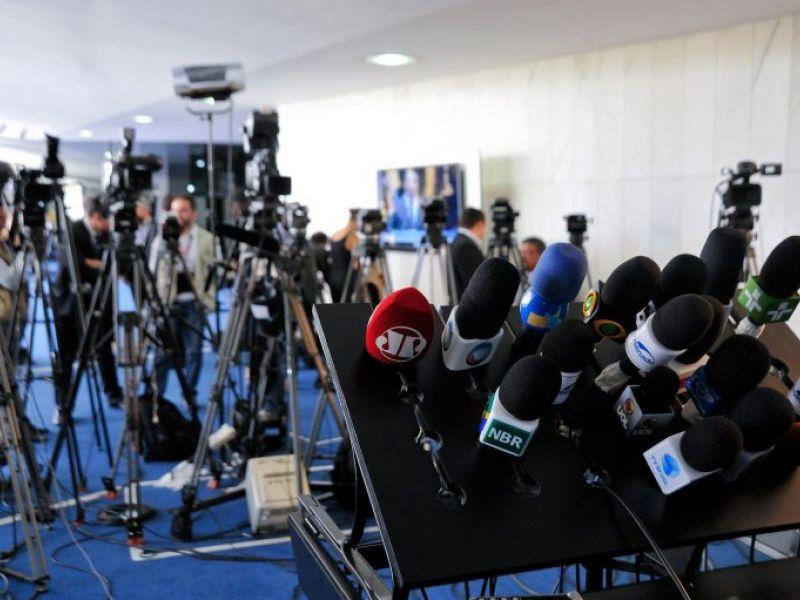 Projeto tipifica crime de abuso de autoridade condutas contra o livre exercício do jornalismo