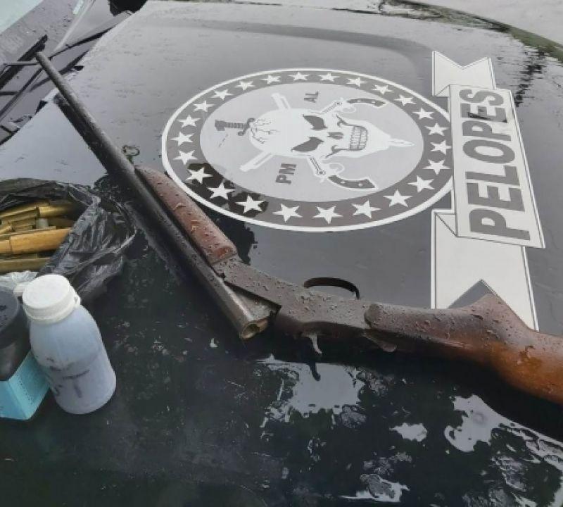 Policiais militares retiram 12 armas de fogo de circulação