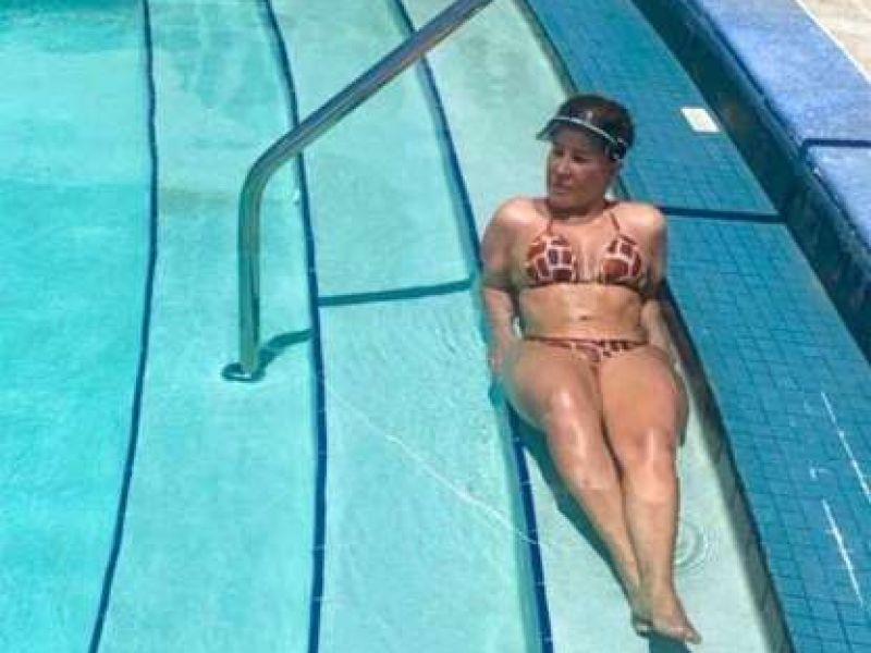 Zilu Camargo aparece de biquíni no Instagram e boa forma surpreende
