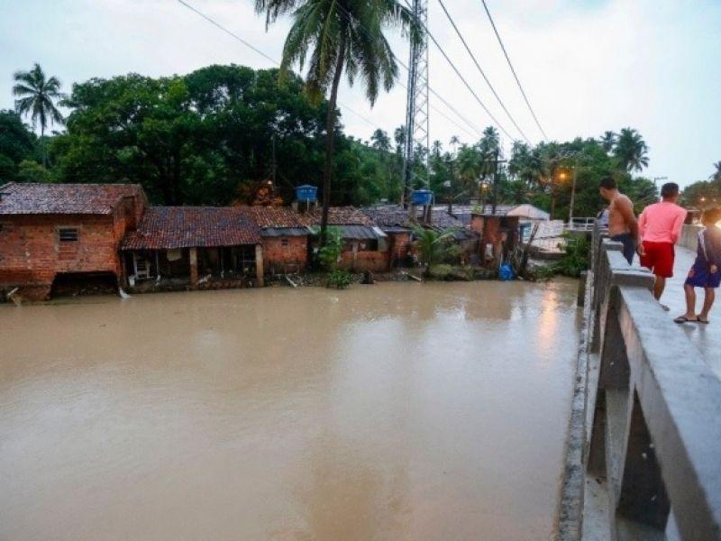 Defesa Civil e Bombeiros monitoram elevação de rios e lagoas por causa das chuvas