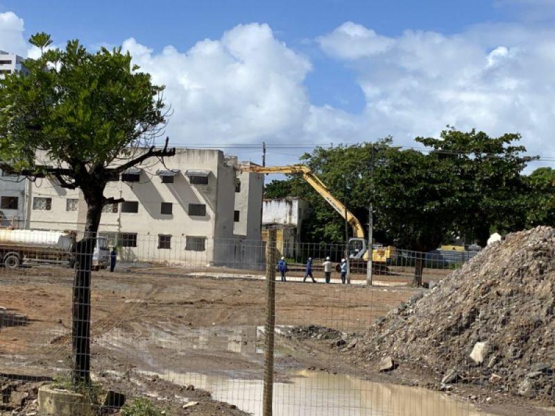 Pinheiro: mais quatro prédios colapsados estão sendo demolidos