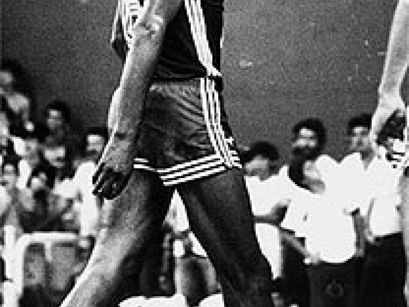 Ubiratan entra no Hall da Fama do basquete americano