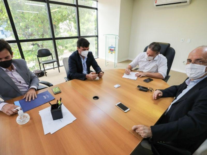 Governador anuncia para os próximos dias início de asfaltamento de diversas ruas da cidade de Penedo
