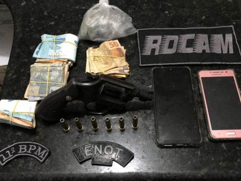 Homem é preso após amaçar populares com arma de fogo na Santa Luzia, em Penedo
