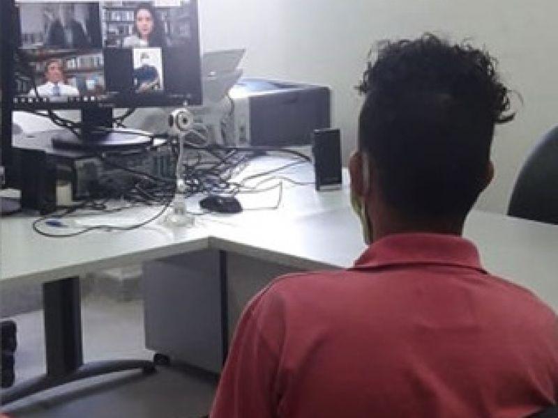 Menor acusado de agredir idoso com paulada na cabeça, em Penedo, presta depoimento