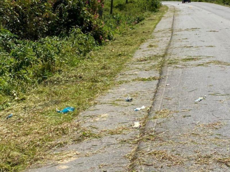"""Governo atende pedido do """"Só Pedal"""" e realiza limpeza de acostamento entre Penedo e Piaçabuçu"""