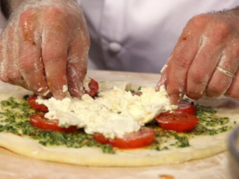 Empresa penedense abre vaga para pizzaiolo com experiência