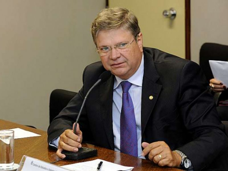 Alexandre Toledo desiste de ser candidato a prefeito de Penedo