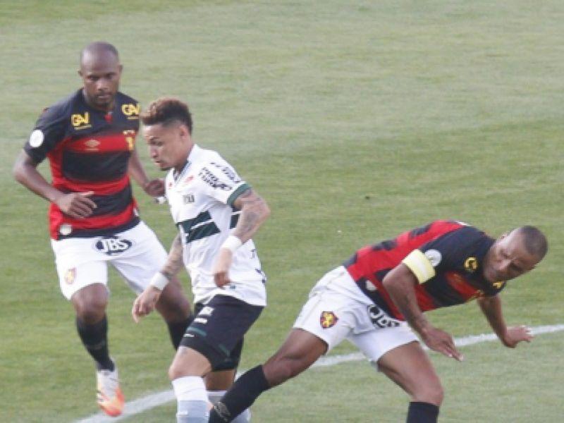 Com gol no fim, Coritiba vence o Sport e deixa o Z-4 no Campeonato Brasileiro