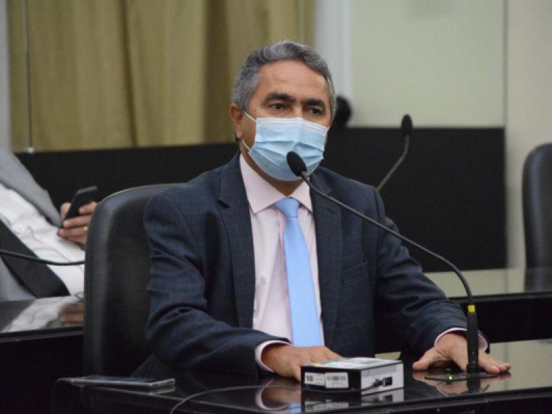ALE derruba veto ao projeto de Francisco Tenório que impede Estado de  apreender veículos por atraso do IPVA