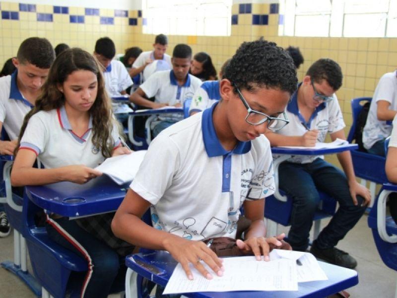 Estudantes da rede pública de AL melhoram desempenho em Português e Matemática