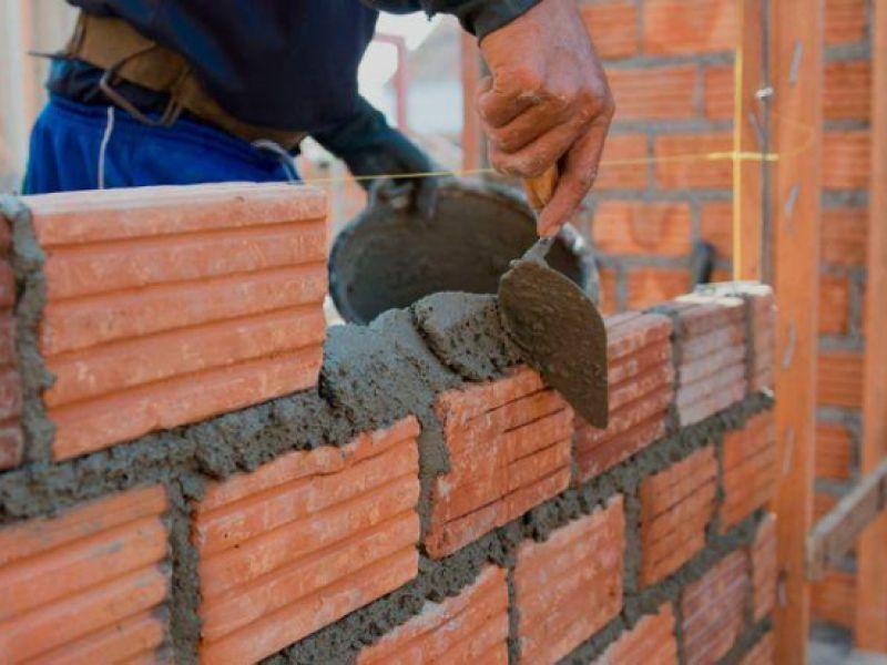 Empresa seleciona profissional da construção para trabalhar em loteamento de Penedo