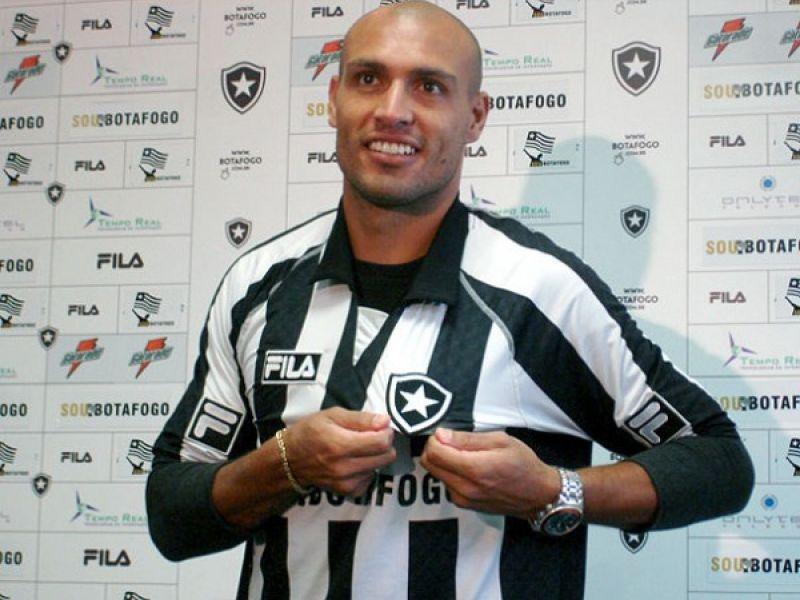 Edno chegou para reforçar o Botafogo até dezembro