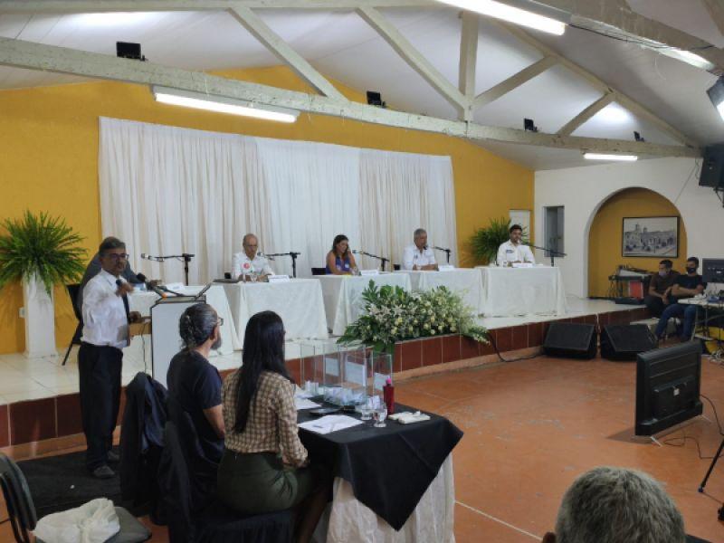 Candidatos a prefeito de Penedo se enfrentam em debate promovido pelo Sindspem