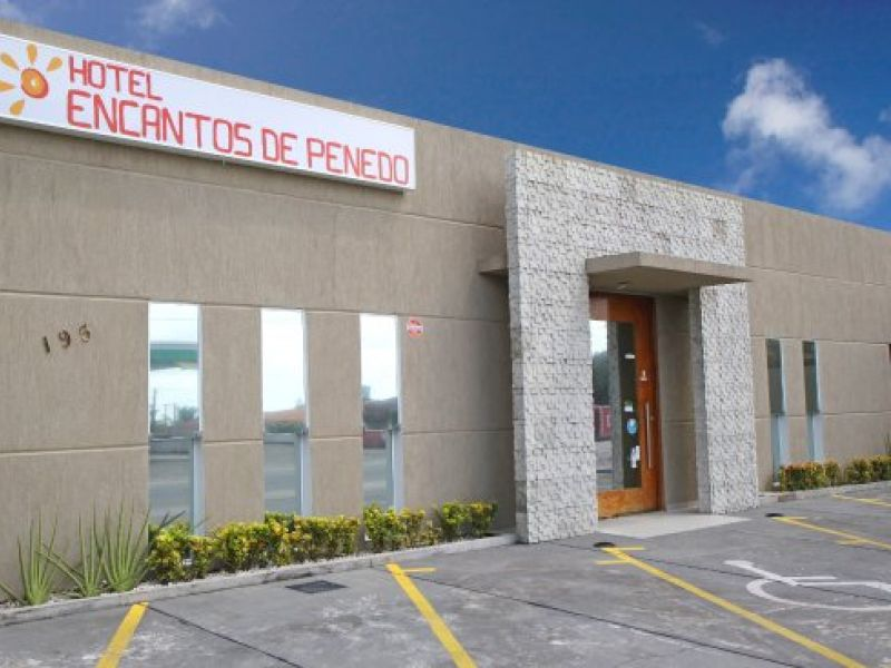 Hotel divulga oportunidade de trabalho para serviços gerais em Penedo